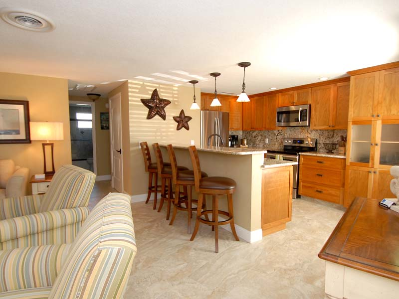 Castnetter 2 Beach Condo Kitchen and Living