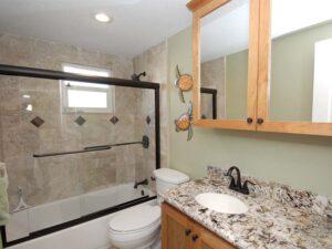 Castnetter 2 Bathroom
